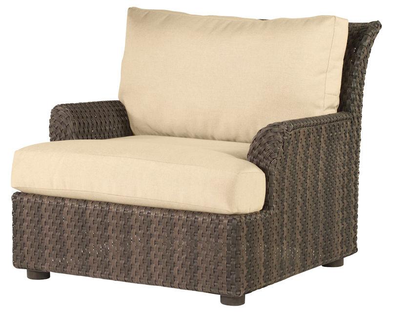 Aruba Outdoor Wicker Lounge Chair