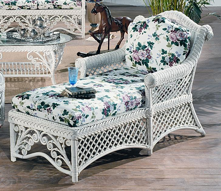 Gazebo Victorian Wicker Chaise Lounge White Finish