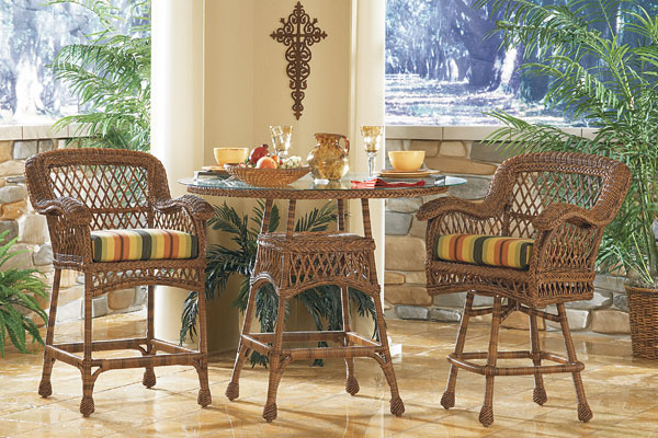 The Bar Is Open: Accessorize It With Wicker