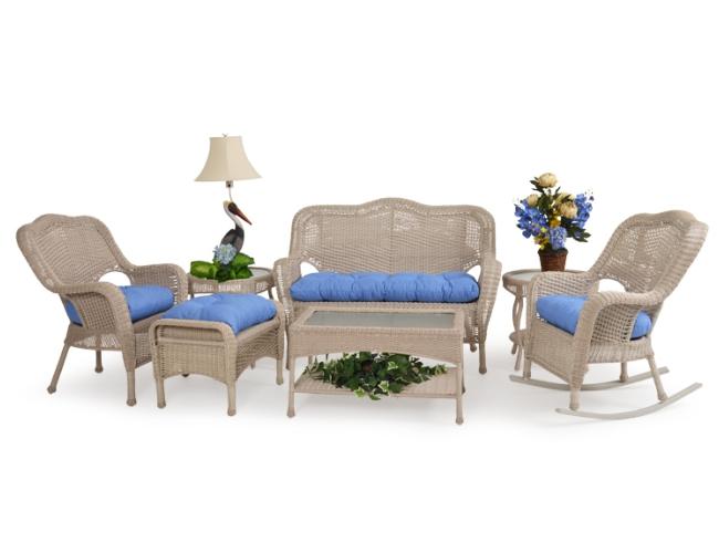 Five Favorite Outdoor Wicker Furniture Arrangement Tips