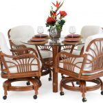 Choosing the Right Dining Chair Styles for Large or Small Spaces