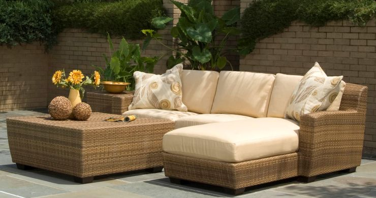 Saddleback Resin Outdoor Wicker Chaise Sectional Set